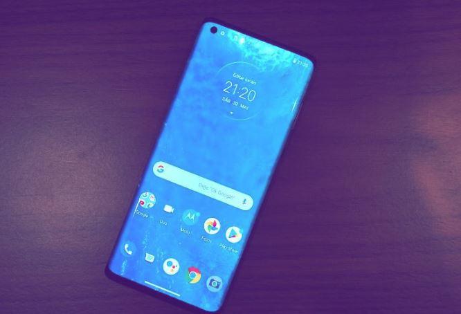 Motorola Edge O primeiro celular compatível com 5G no Brasil custa R$ 7.999
