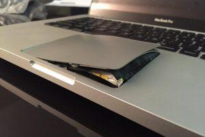 Bateria de notebook estufada Porque ocorre e como evitar